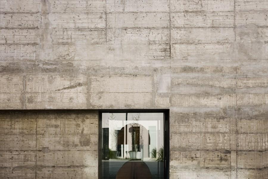Caroljobe - Arquitectura creativa Barcelona edificio Poblenou ventana