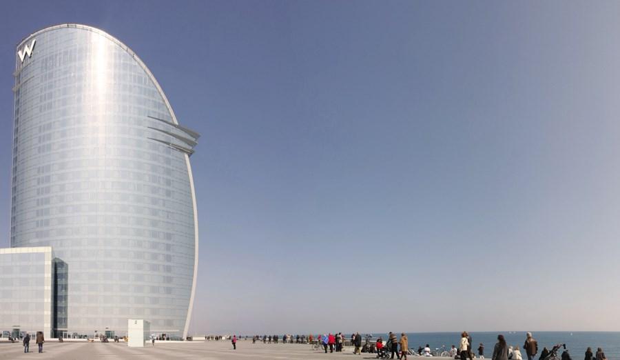 Caroljobe - Arquitectura creativa Barcelona Hotel Vela