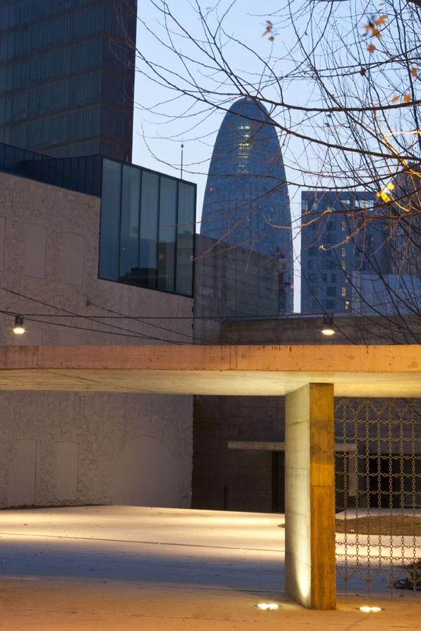Caroljobe - Arquitectura creativa Barcelona Torre Agbar
